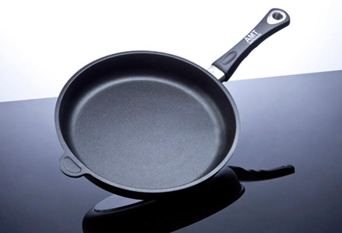 Сковорода 24x5 см., с титановым покрытием, литой алюминий, AMT gatroguss Германия 524AMT