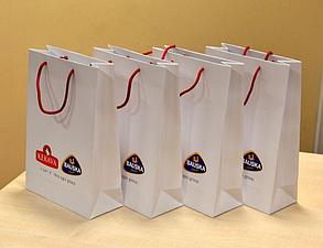 Изготовление бумажных пакетов для презентаций и подарков