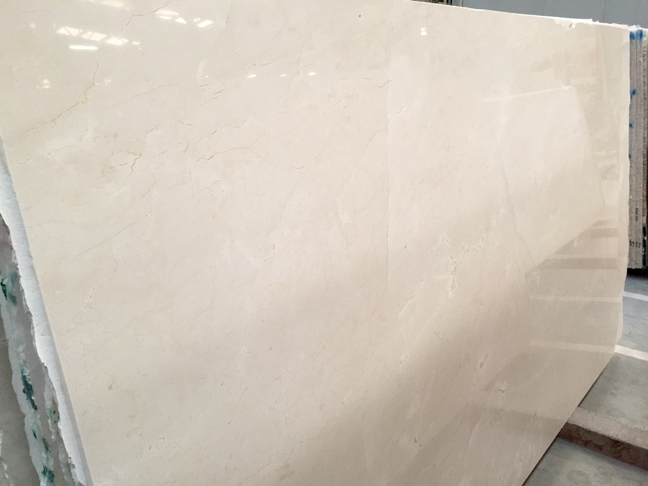 Бежевый мрамор, Crema Marfil - фото 1