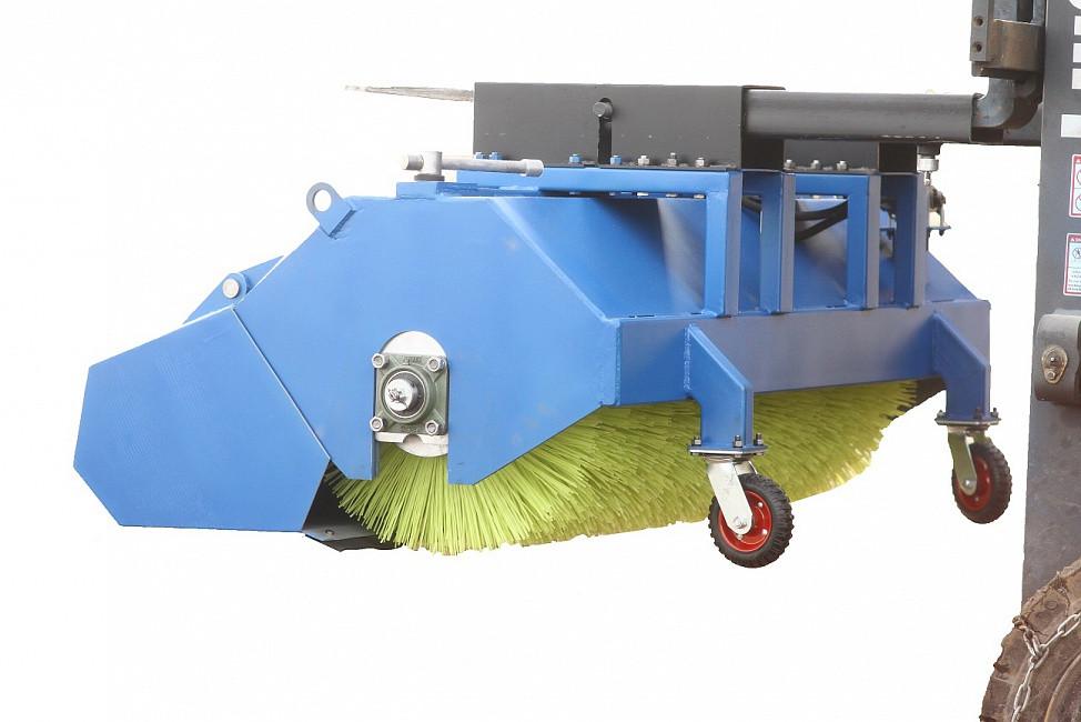 Щеточное оборудование с бункером для сбора пыли