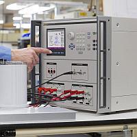 Трехфазный калибратор электрической мощности Fluke 6003A 230