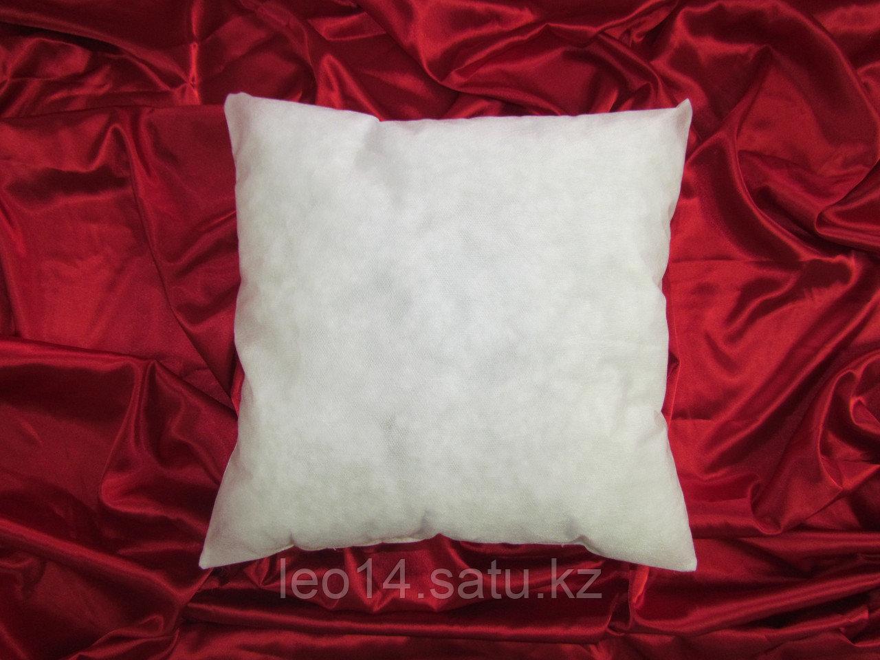 Подушка без наволочки 40х40 см. Спанбонд