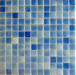 Средняя мозаичная плитка голубой
