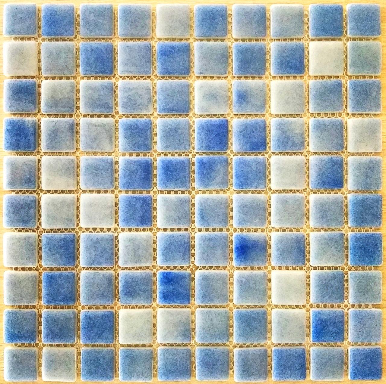 Крупная стеклянная мозаика голубо-синий