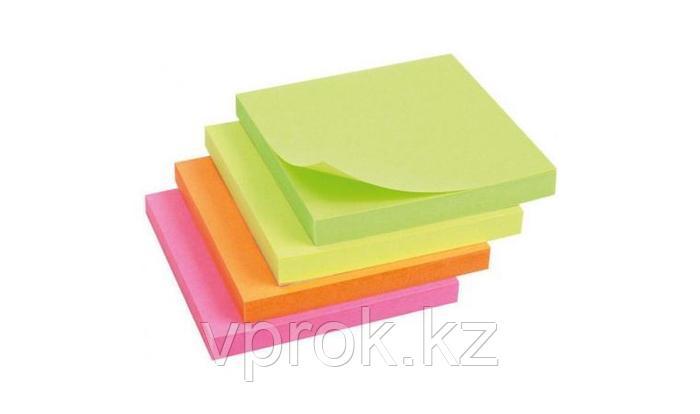 Стикеры цветные клейкие 100 листов (7,6*7,6 см) в ассортименте