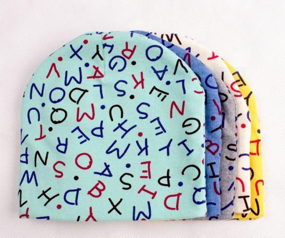 "Весенняя шапочка, вид ""Буквы"", цвет мятный, на 1-3 года"