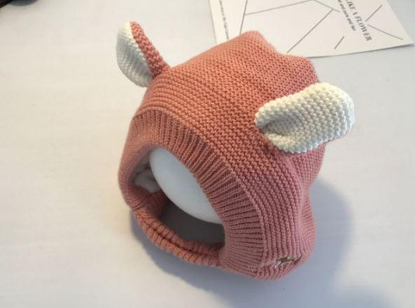 Вязаная шапочка-капор, с ушками, цвет розовый