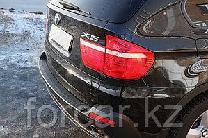Накладка на задний бампер BMW X5 (E70) 2010-