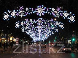 Новогодние уличные конструкции, арки, растяжки, мотивы, снежинки, звезды, консоли, конструкции