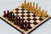 Шахматы обиходные лакированные с темной доской, фото 1