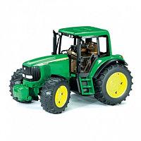 Трактор John Deere 6920 с прицепом Bruder