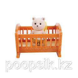 Малыш медвежонок с кроваткой