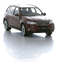 Коллекционная модель машины 1:24 BMW X5 в ассортименте