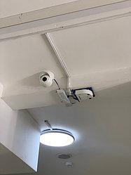 Mobotix S14,  модульная камера с двумя выносными видеосенсорами, в специальном кожухе PT-Mount.  Одной камерой закрыты две разные зоны.