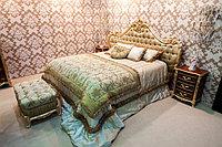 Покрывало и подушки из велюра