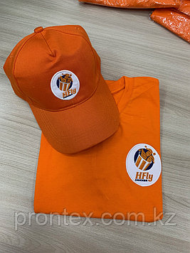 Нанесение логотипа на футболку методом вышивки.