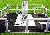 Памятник мраморный с оградой и установкой на любом кладбище Костанайской области.