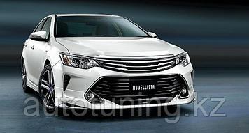 Юбка порог комплект белый + спойлер  на Toyota Camry 55  2014-2018