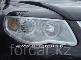 Защита передних фар темная, карбон, прозрачная VW Touareg 2007-2010
