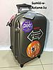 Маленький пластиковый дорожный чемодан на 4-х колесах Ambassador.Высота 55 см,длина 35 см,ширина 20 см.