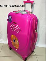 Средний пластиковый дорожный чемодан на 4-х колесах Ambassador.Высота 67 см, длина 42 см, ширина 26 см., фото 1