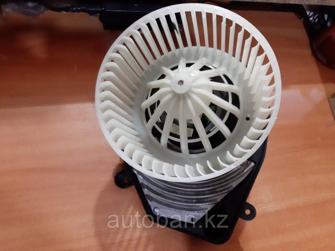 Вентилятор печки Volkswagen PASSAT B5