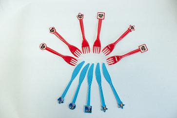 Пластиковые приборы для праздника