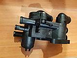 Корпус термостата Volkswagen GOLF 4, фото 4