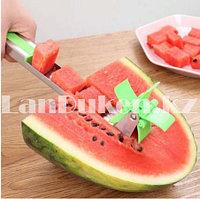 Нож устройство для нарезки арбуза на кубики