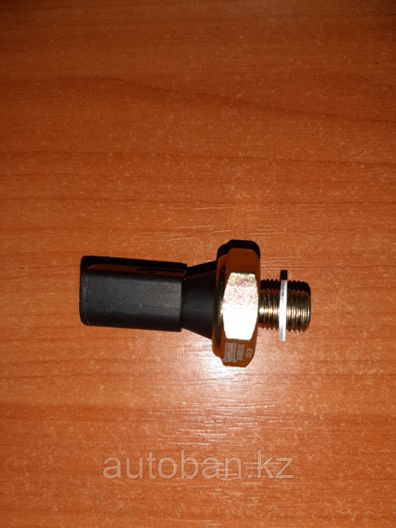 Датчик давления масло черный на ауди А4/А6 пассат Б5, гольф 4/5 обьем 1.6-2.8