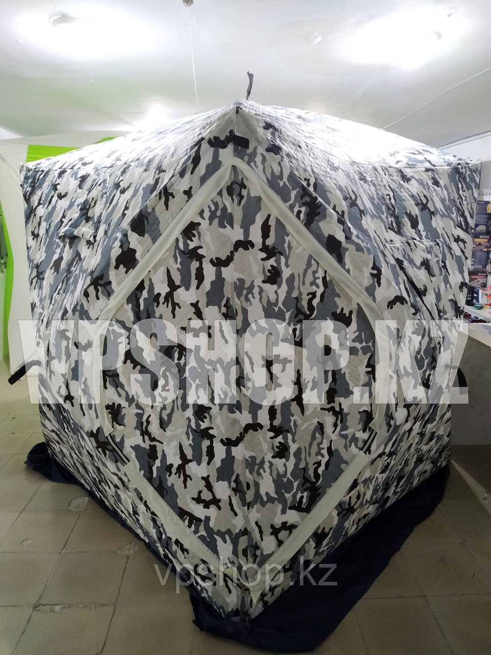 Зимняя палатка TUOHAI th - 1624 куб 3, трехслойная 180х180х200 см., доставка