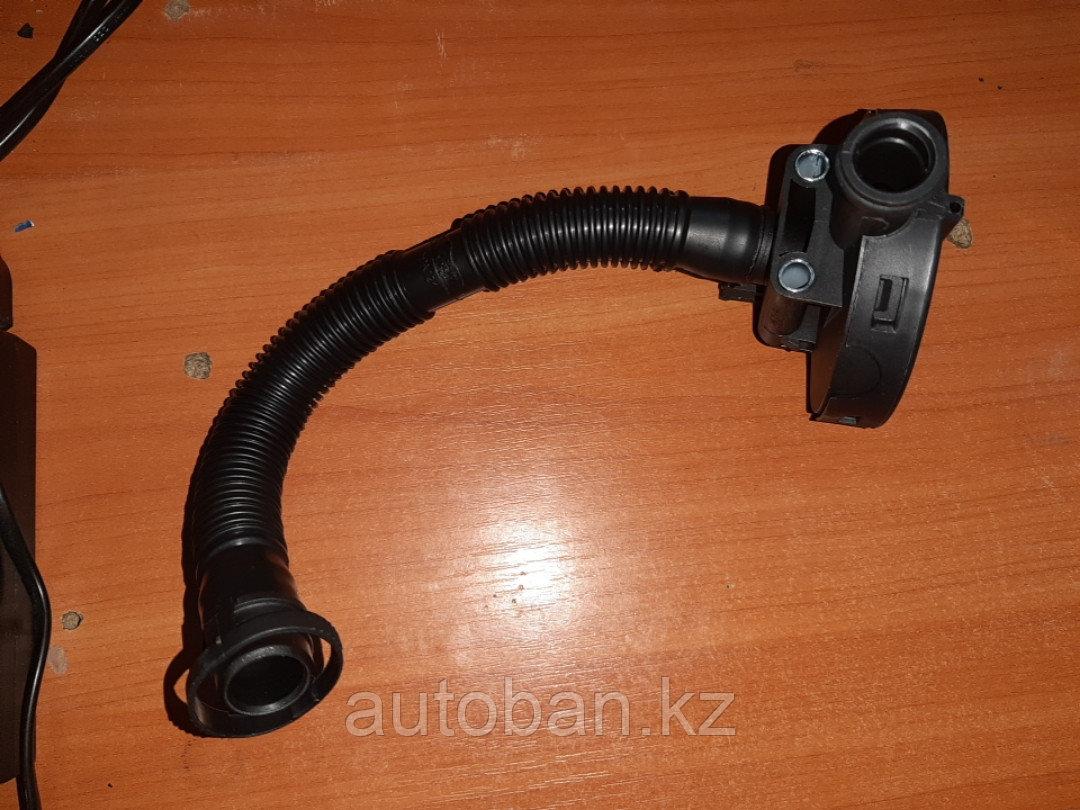 Клапан вентиляции картера Volkswagen POLO