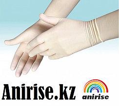 Перчатки стерильные  хирургические с длинной манжетой.