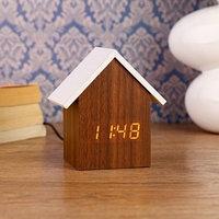 Часы электронные 'Домик' с термометром и календарем, 11х10 см, 3ааа