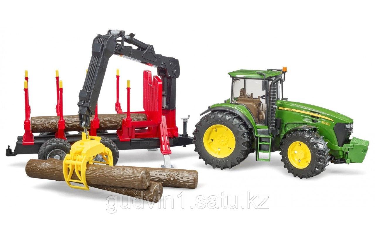 Трактор John Deere c прицепом с манипулятором и 4 брёвнами Артикул №03-054