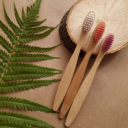 Детская зубная щетка бамбуковая.