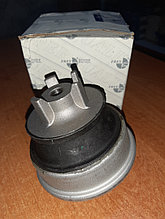 Подушка двигателя на Мерседес Е210