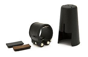 Кожаная лигатура и пластиковый колпачок для кларнета Bb, Vandoren LC21P Leather