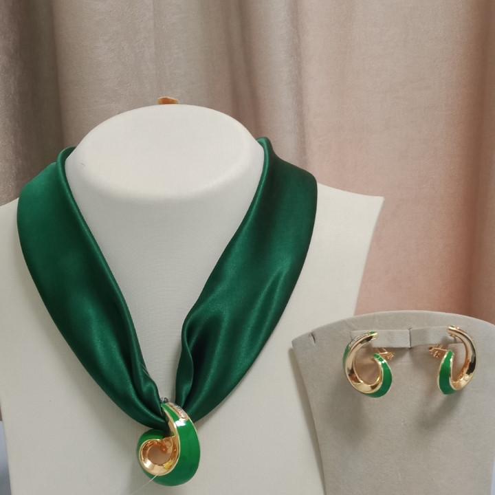 Эксклюзивный комплект из золота от Итальянского бренда Graziella.