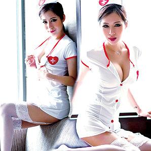 Строгая медсестра.
