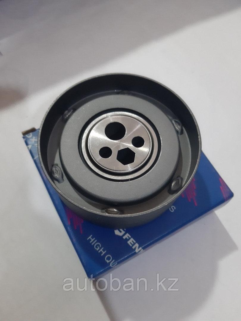 Ролик натяжной D10mm на Ауди 100 С4/А6С4 обьем 2.6-2.8