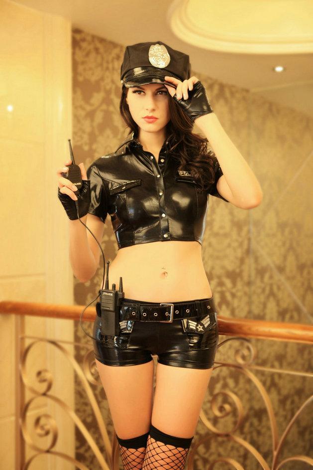 "Костюм ""Miss Police"" ( топ, шорты, кепка, рация, чулки, перчатки)"