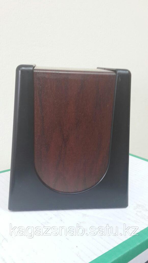 Диспенсер для салфеток настольный (0680 черный с деревом) - фото 4