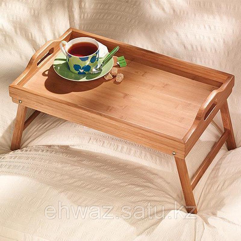Деревяный столик для завтрака