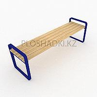 Скамейка деревянная, подлокотники и ножки в геометрическом стиле