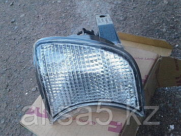 BMW 5 Series (E-34) 88 г Поворотник правый белый (Coner lamp white w/socket mark rh) 88-94 гг TYC