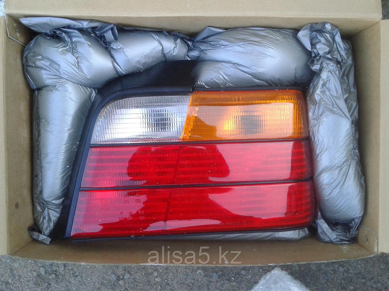 BMW 5 Series (Е-36) 91 г Задний фонарь правый Rh