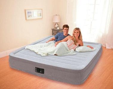 Двуспальная кровать надувная со встроенным насосом INTEX 67770 DURA-BEAM PLUS