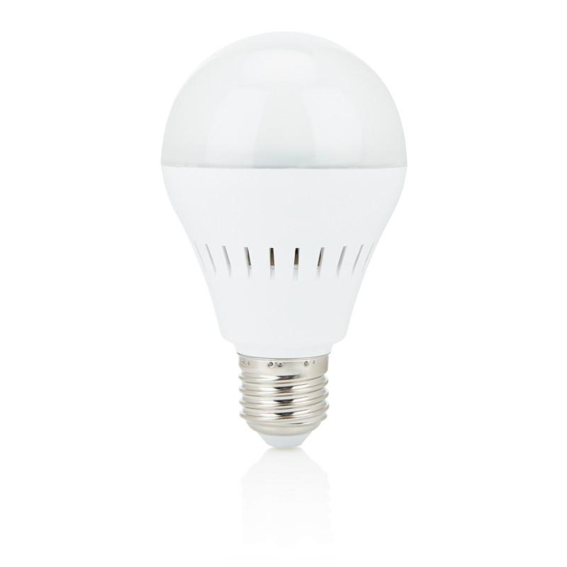 Светодиодная лампочка со встроенной колонкой, белый, Длина 7 см., ширина 7 см., высота 11,8 см., P330.083