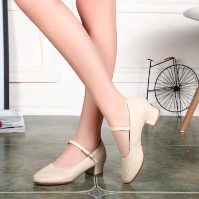 Туфли женские для народных танцев на квадратном каблуке (кожзам). Цвет: бежевый . Размеры: 36-41 - фото 1